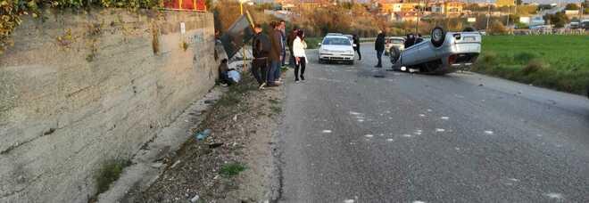 Schianto tra auto sulla Statale 19 in Campania: grave un 44enne