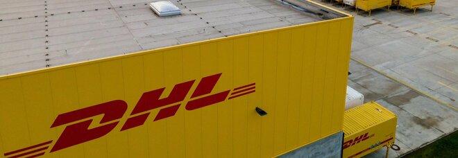 DHL, maxi sequestro per oltre 20mln di euro: «Sfruttamento dei lavoratori e frode fiscale»
