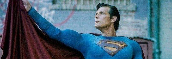 Superman, morto Christopher Dennis: fu per 30 anni il volto del supereroe sulla Hollywood Boulevard