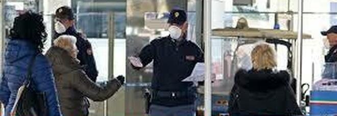 Napoli, violano la zona arancione per comprare droga: denunciati, scatta anche la multa di 400 euro