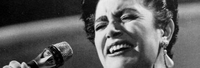 Mia Martini, la sorella Leda Bertè: «Il suo suicidio è un mistero, aveva lividi addosso»