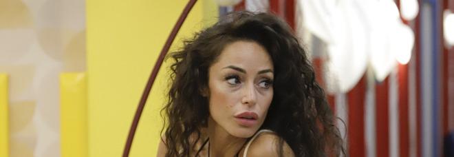 Grande Fratello Vip, le lacrime di Raffaella Fico: «La relazione con Balotelli era troppo affollata. L'ho perdonato»