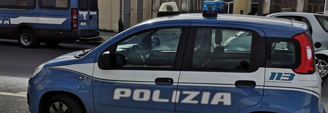 Castellammare, rapina al supermercato: bottino di 300 euro, è caccia all'uomo