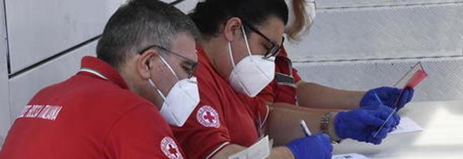 Coronavirus Fiumicino, cliente contagiato: «Troppi casi dal Bangladesh»