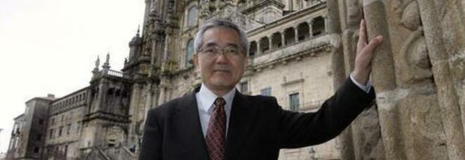 Morto Eiichi Negishi, premio Nobel per la chimica: fu premiato per gli studi sul palladio