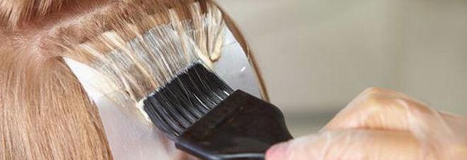Tinte per capelli e cosmetici a rischio: «Senza ammoniaca? Peggio degli altri»