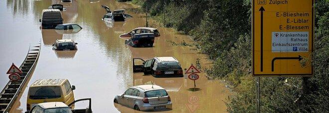 Inondazioni in Germania, i morti salgono a 156 (feriti 670): corsa per salvare i dispersi