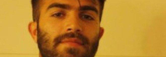 Napoli, calciatore muore durante la partita per ricordare il fratello defunto: Giuseppe Perrino aveva 29 anni