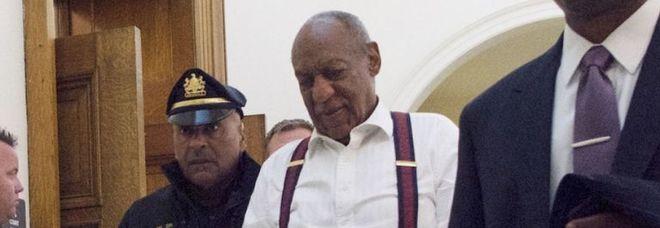 L'attore Bill Cosby al suo arrivo in tribunale