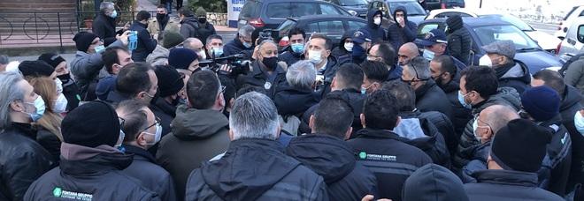 Vertenza Meridbulloni, Vescovini a Castellammare per investire
