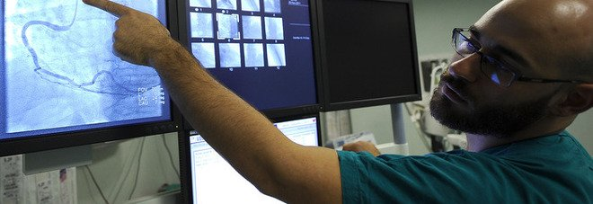 Lucca, al San Luca prima procedura di aritmologia interventistica: in un paziente insensibile alla terapia farmacologica