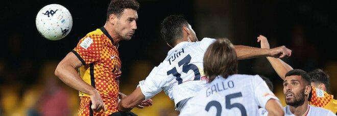 Benevento e Lecce si fermano sullo 0-0: annullato gol di Improta