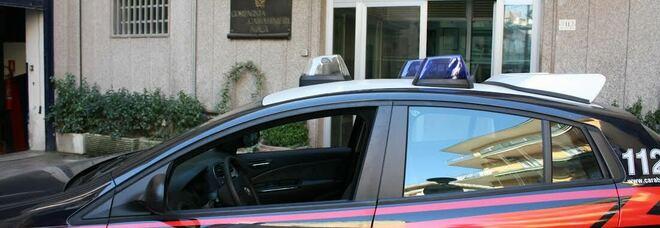 Accelera alla vista dei carabinieri, raggiunto dopo 4 km e arrestato: trasportava rifiuti ferrosi