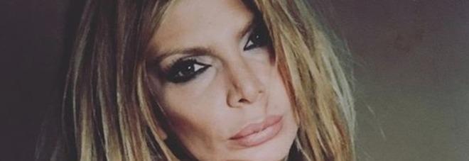La cantanta Ana Bettz fermata al confine con la Francia: in auto aveva 300mila euro in contanti