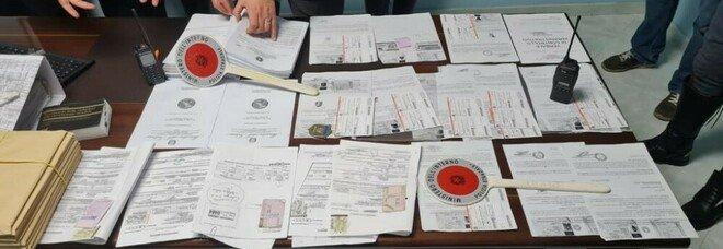 Certificati medici falsi, in 50mila con le patenti illegali: scattano 20 arresti