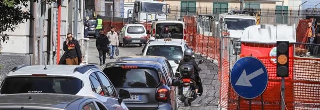 Corso Vittorio Emanuele, cantiere caos: i semafori non sono sincronizzati