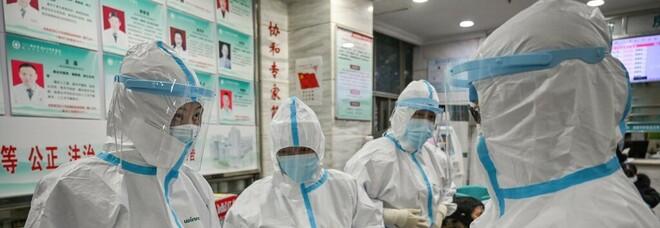 Vaccino, contagiati dopo due dosi? L'identikit dei più colpiti: «Hanno 40 anni e sono donne»