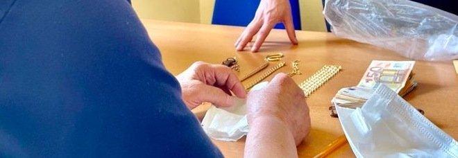 Truffa agli anziani, falsa direttrice delle Poste si fa consegnare soldi e gioielli da una 91enne di Sorrento