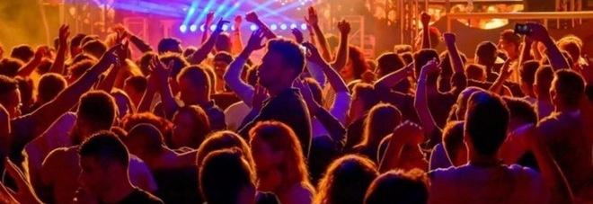 Feste in zona bianca, sì in 7 Regioni: sale l'attesa per le discoteche