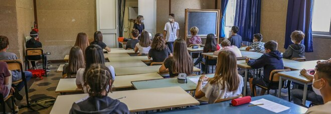 Covid Roma, i licei non riaprono: 180mila studenti a casa fino a gennaio