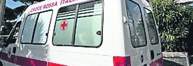 Napoli, sequestra un'ambulanza per soccorrere un parente: arrestato