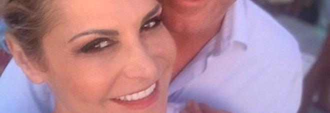 Simona Ventura rivela: «Mi sposo con Giovanni Terzi». Fan entusiasti