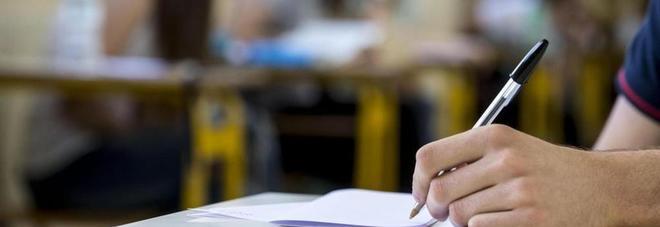 Scuola, nuovo contratto: dagli aumenti in busta paga alle sanzioni, tutte le novità