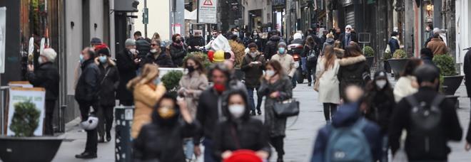 Covid a Napoli, è allarme contagi tra i ragazzi: a rischio la fascia di età scolare 6-18 anni