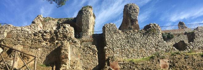Capri, Villa Lysis e Parco Astarita chiusi: «Salviamo l'isola dal degrado»