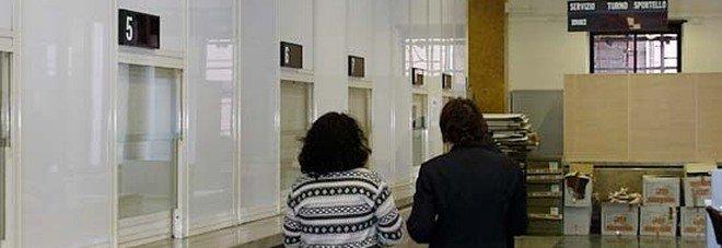 Roma, documenti falsi per ottenere licenze commerciali: indagati 5 dipendenti municipali