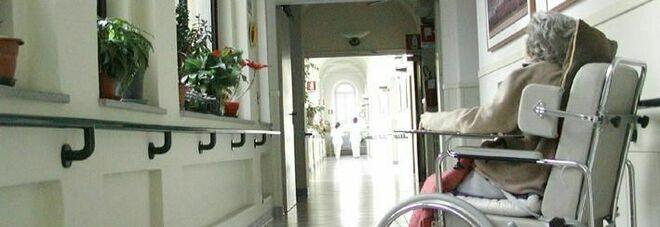 Covid, focolaio nella casa di riposo: allarme a San Cipriano, 43 infetti