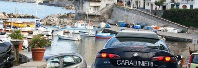 Ischia, controlli dei carabinieri: denunciato un uomo positivo al covid