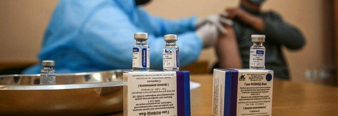 Vaccino, l'Ema avvia la valutazione per Sputnik. La Russia: «Pronte 50 mln di dosi da giungo»