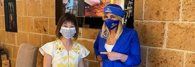 G20 a Napoli, il ministro dell'Ambiente di Singapore Amy Khor a pranzo da 'A figlia d''o Marenaro