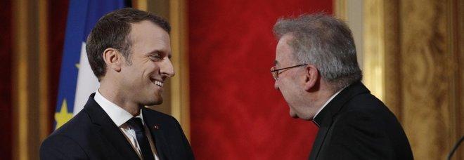 Abusi, un altro uomo accusa il nunzio a Parigi: «Mi ha afferrato il sedere»