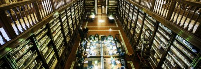 Presa a Formia la «ladra di libri» ricercata per i furti ai Girolamini
