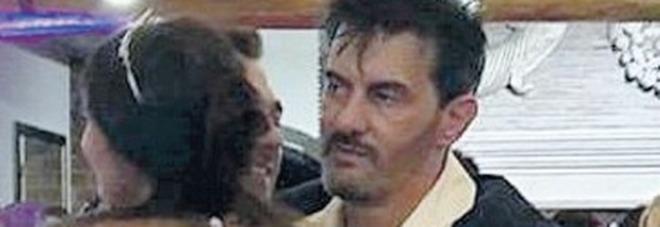 Diabolik, il killer è fuggito in moto: «Lo ha aspettato un complice». Nei tabulati il nome del traditore