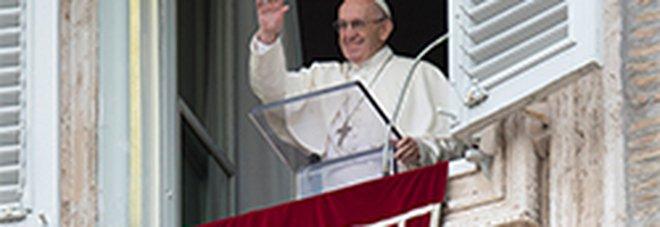 Becciu, le parole sibilline di Papa Francesco: «Nella vita chi non scivola? Tutti! Ma ci alziamo»