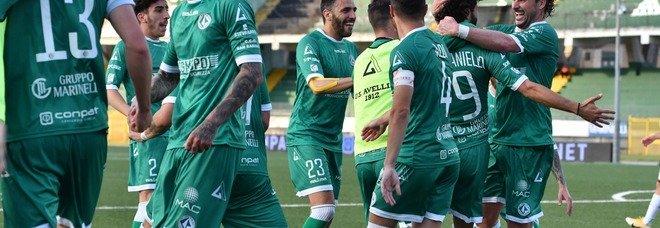 Cuore e grinta, l'Avellino vola alle semifinali dei playoff di serie C