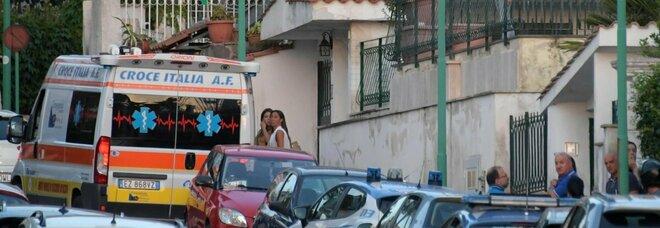 Napoli: ambulanza sequestrata per soccorrere un parente, due in arresto per rapina