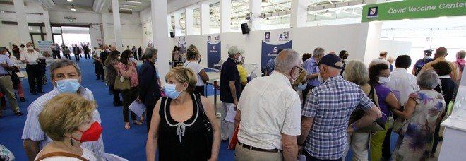 Vaccini in Campania, il bollettino di oggi: 55.484 somministrazioni in 24 ore