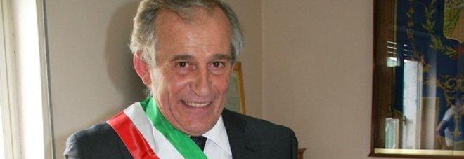 Restano ai domiciliari il sindaco di Grumo Nevano Chiacchio e il vigile urbano arrestati per corruzione