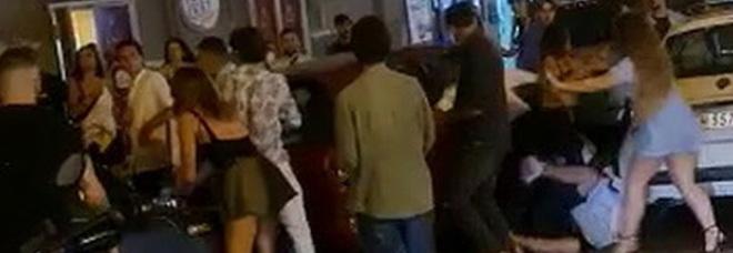 Napoli: rissa al Vomero tra ragazzini senza mascherina durante il coprifuoco