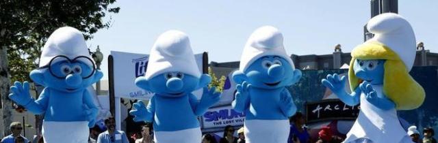 Germania, record mondiale al maggiore raduno di puffi: in 2.762 vestiti da omini blu