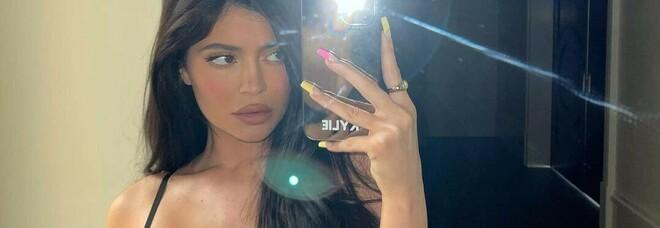 Kylie Jenner, raccolta fondi per salvare l'amico. Ira dei follower: «Sei senza vergogna»