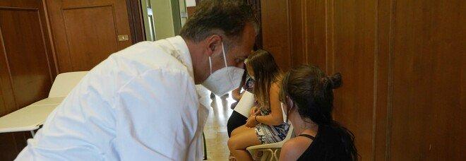 Vaccini Covid a Benevento, open day con 5.500 vaccinati: lo spot degli studenti