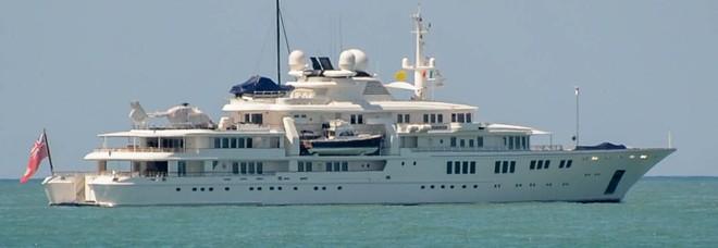 Sorpresa In Mare A Ostia Arrivano Gli Yacht Superlusso Di Paul