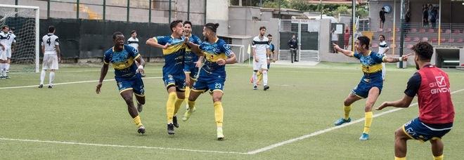 Napoli United e Savoia, botta e risposta: la polemica s'infiamma via social