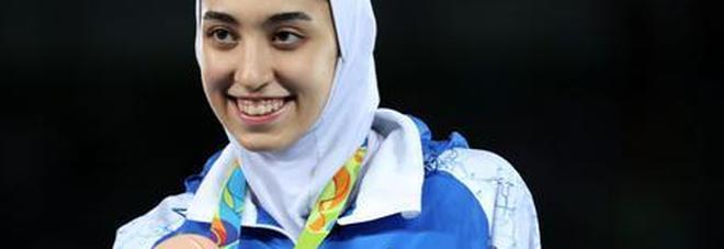 Campionessa olimpica fugge dall'Iran e si rifugia in Olanda: «Da noi le donne sono troppo oppresse»