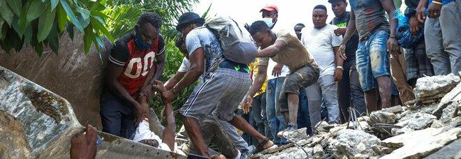 Terremoto Haiti di 7.2, almeno 304 morti. Centinaia di case crollate